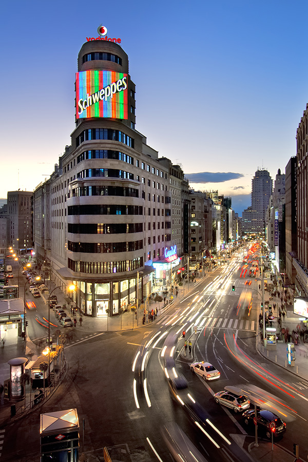 Oh oh gran v a worksdifferent arquitectura for Teatro capitol gran via