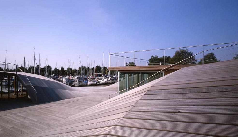 Espacios en el mar worksdifferent arquitectura - Cubierta sobre plots ...