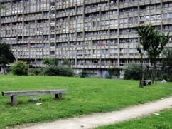 robin-hood-gardens-Alison-Peter-SMITHSON-3